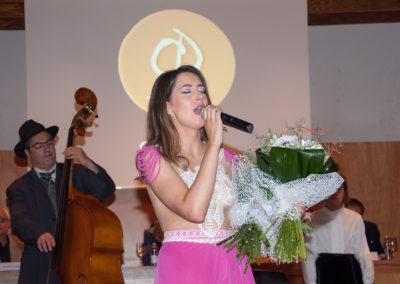 Andrea Pousa no acto da Estrea do Himno
