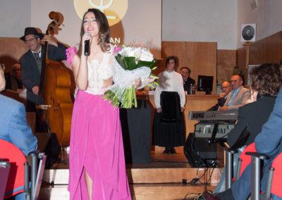 Andrea Pousa no acto da estrea do Himno.